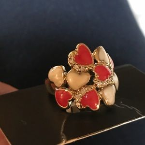Jewelry - Queen of hearts fashion ring.